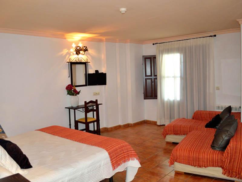 Habitacion SUPERIOR Hotel En CAPILEIRA 4