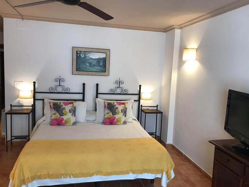 habitaciones superiores con terraza hotel en la alpujarra 1